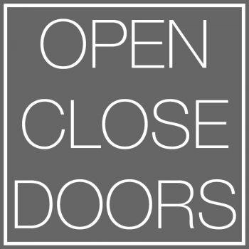 logo open clcose doors