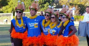 turkey day dash runners